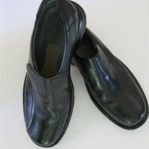 Clarks Men's Leather Slide On Loafer Shoes NWOB
